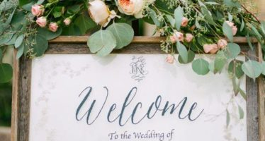 Welcome signs for weddings