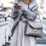 28 Ideas de outfits usando el color gris