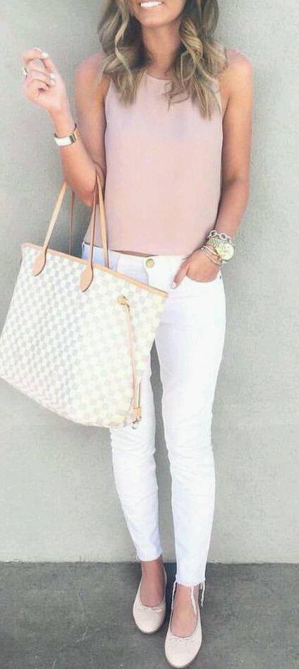 Outfits casuales con jeans blancos