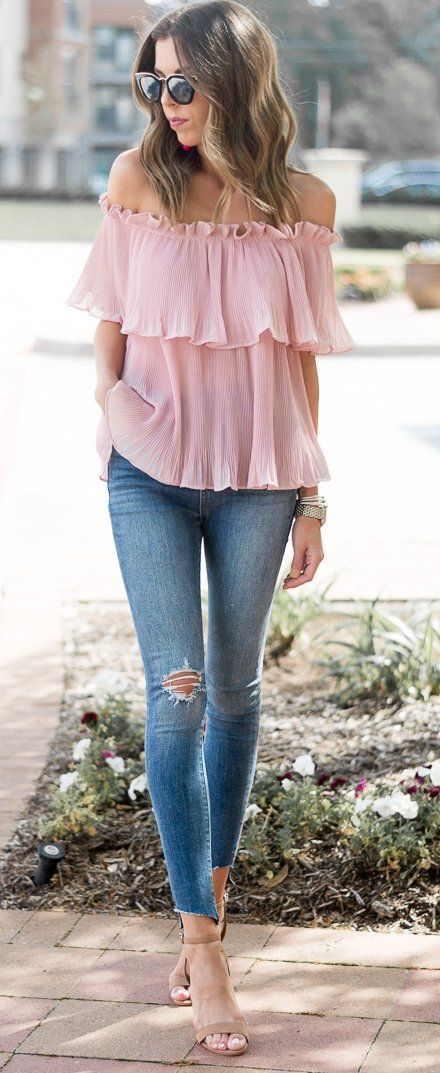 Dale a tu look un toque femenino con el color rosa blush