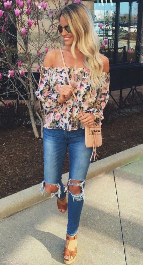 Outfit con sandalias