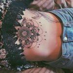 Tatuajes bajo el pecho ¿Te atreves?