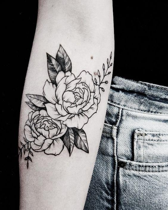 tatuajes de rosas para mujer. Black Bedroom Furniture Sets. Home Design Ideas