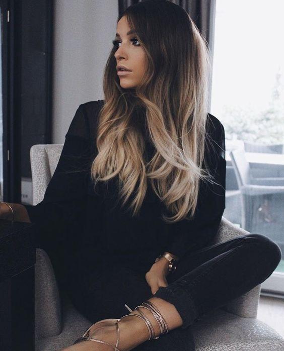morenas de cabello largo (1)
