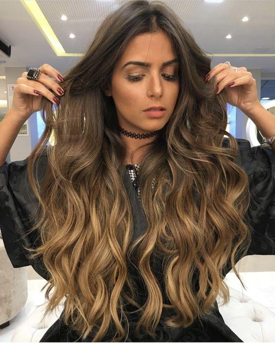morenas de cabello largo (3)