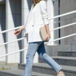 Outfits de maternidad con jeans