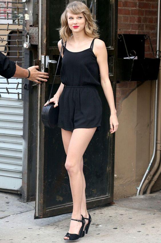 Como debe vestir una mujer alta y delgada
