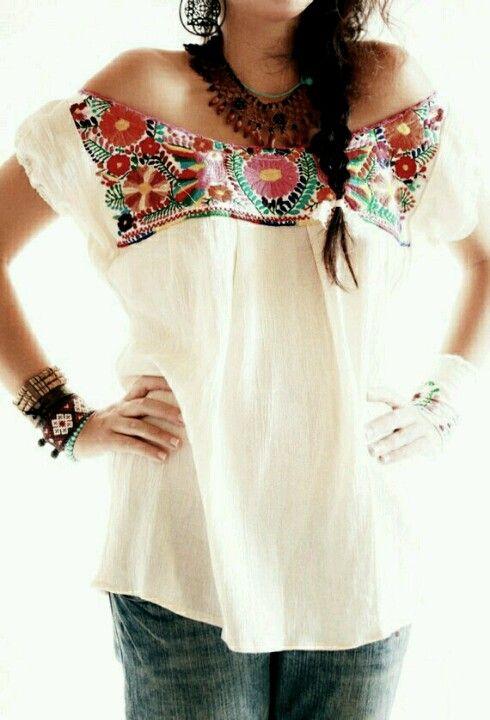 Blusas bordadas estilo mexicano al hombro3