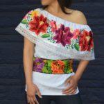 Blusas bordadas estilo mexicano al hombro4