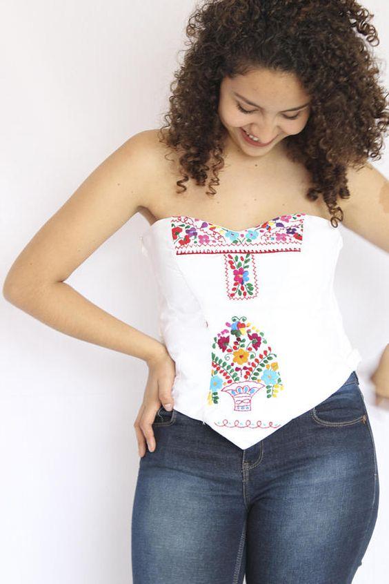 6eaa02acc Blusas bordadas estilo mexicano