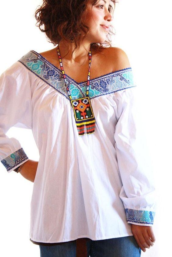Blusas bordadas estilo mexicano blancas3