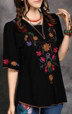 Blusas bordadas estilo mexicano negras