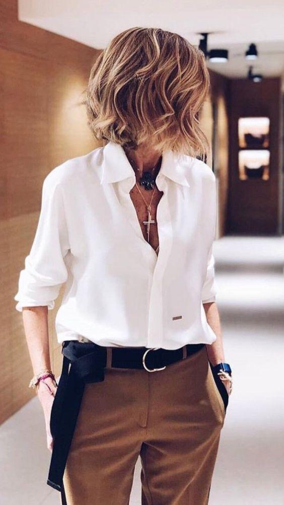 Outfits con camisas para mujeres maduras