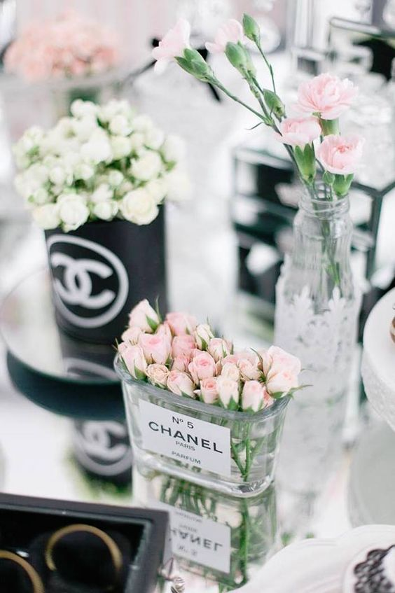 Fiesta para mujer con tema Chanel