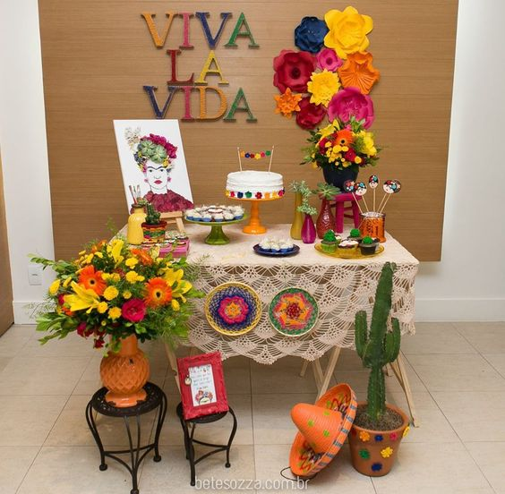 Fiesta para mujer con tema de Frida kahlo
