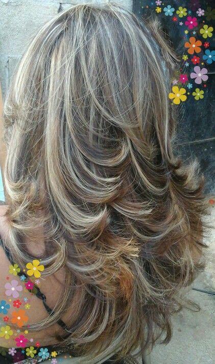 Cortes de cabello con rayitos cenizos